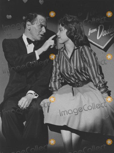 Nancy Sinatra Photo - Nancy Sinatra with Frank sinatrafrank Sinatra showphoto by smp-globe Photos Inc