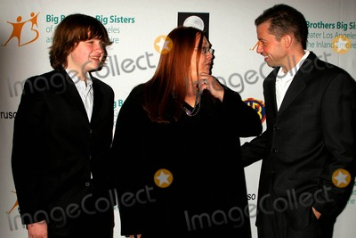 Angus T Jones Photo - the Annual 2009 Rising Stars Gala Presented by Big Brothers Big Sisters of Los Angeles Beverly Hilton Hotel Beverly Hills CA 103009 Angus T Jones and Conchata Ferrell with Jon Cryer Photo Clinton H Wallace-photomundo-Globe Photos Inc