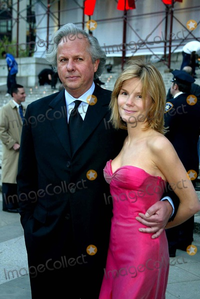 Anna Scott Photo - Exclusive Vanity Fair Party to Celebrate the 2004 Tribeca Film Festival State Supreme Courthouse 60 Centre Street  New York City 05042004 Photosonia Moskowitz  Globe Photosinc 2004 Graydon Carter and Anna Scott