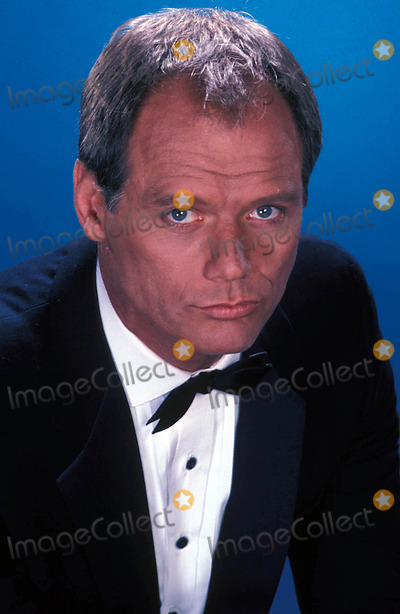 Fred Dryer Photo - Tv-film Still Supplied by Nbc-Globe Photos Inc Hunter Fred Dryer
