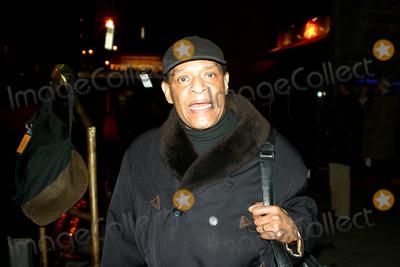 Al Jarreau Photo - Sd030221 AL Jarreau Out and About on 59th St New York City Photorick Mackler Rangefinders Globe Photos Inc