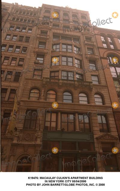 Macaulay Culkin Photo S Apartment Building In New York City 08 04
