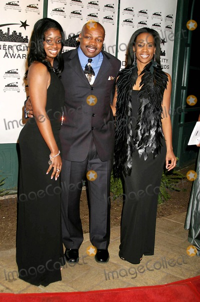 Ken Carter Photo - the 13th Annual Los Angeles Inner City Destiny Awards Honors Coach Ken Carter Celebrity Centre Hollywood  CA 01-16-2005 Photo ClintonhwallacephotomundoGlobe Copyright 2004 Arian Reed Coach Ken Carter and ND Brown