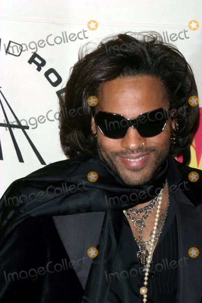 Lenny Kravitz Photo - Arrivals For the 19th Annual Rock and Roll Hall of Fame Foundations Induction Ceremony at the Waldorf Astoria Hotel in New York City 3152004 Photo by John BarrettGlobe Photos Inc 2004 Lenny Kravitz