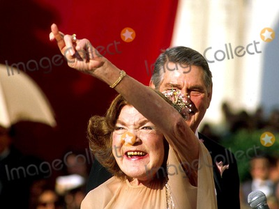 Anne Ramsey Photo - Academy Awards  Oscar 14961 Anne Ramsey Photo Byjames ColburnipolGlobe Photos Inc
