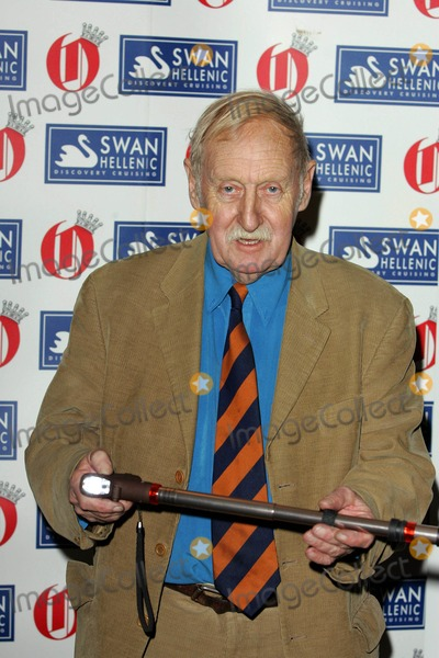 Trevor Baylis Photo - Trevor Baylis Inventor Oldie of the Year Awards 2009 at Simpsons in the Strand in London 02-24-2009 Photo by Neil Tingle-allstar-Globe Photos Inc