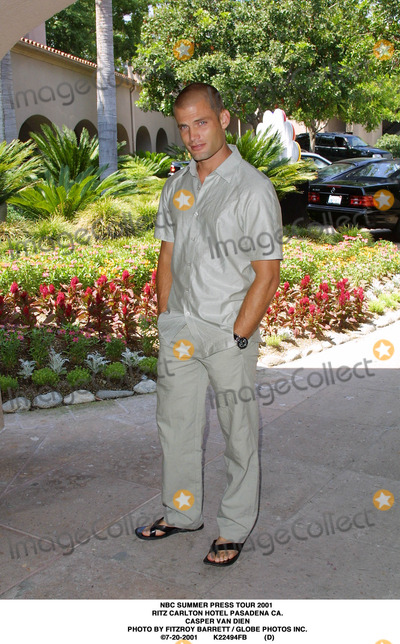RITZ CARLTON Photo - NBC Summer Press Tour 2001 Ritz Carlton Hotel Pasadena CA Casper Van Dien Photo by Fitzroy Barrett  Globe Photos Inc 7-20-2001 K22494fb (D)