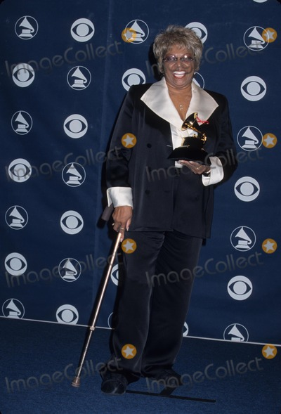 Cissy Houston Photo - Cissy Houston the 41st Grammy Awards at Shrine Auditorium in Los Angeles 1999 K14920dm Photo by Doug Miller-Globe Photos Inc