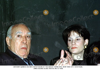 Anthony Quinn Photo - Anthony Quinn  His Wife Kathy Bevin at the Bravo Taping Nyu New York City K20478jbe James Bevins Globe Photos Inc