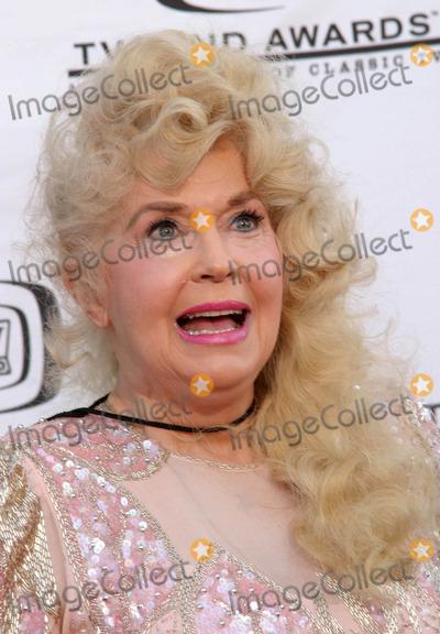 Donna Douglas Photo - Tv Land Awards a Celebration of Classic Tv at the Hollywood Palladium in Hollywood CA 03072004 Photo by Ed GelleregiGlobe Photos Inc 2004 Donna Douglas
