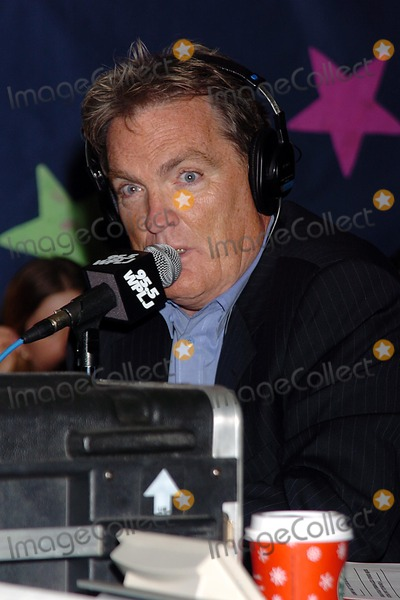 Scott Shannon Photo - 955 Wpljs 13th Annual Holiday Spectacular Party at the Blythedale Childrens Hospital Valhalla New York City 12-22-2004 Photo John Krondes-Globe Photos Inc 2004 Scott Shannon