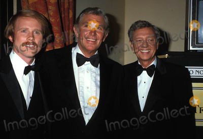 Andy Griffith Photo - Emmy Awards Ron Howard Andy Griffith and Don Knotts Photo by Phil Roach-ipol-Globe Photos Inc
