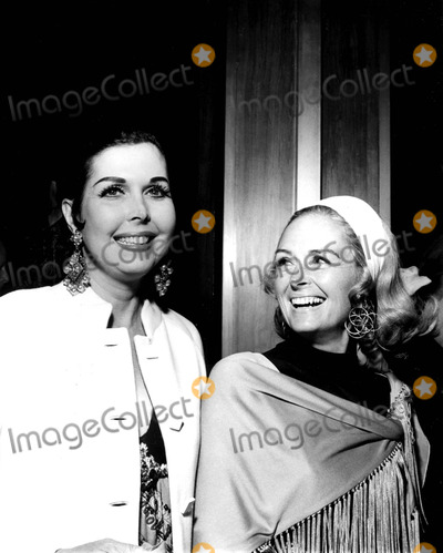 Donna Reed Photo - Ann Miller and Donna Reed at the Aiimanson Theatre For the Opening Night of Forty Carats 1970 Globe Photos Inc Annmillerretro