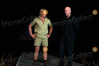 Terry Irwin Photo -  3602 Press Conference and Lunch For the Film the Crocodile Hunter During Showest in Las Vegas NV Steve Irwin with Bruce Willis Photo by John BarrettGlobe Photos Inc