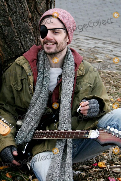 Amy Redford Photo - On Film Setthe Guitar in Tompkins Park Amy Redfordrobert Redford Daughter Is Directer of Film Date 01-22-07 Photos by John Barrett-Globe Photosinc Richard Short