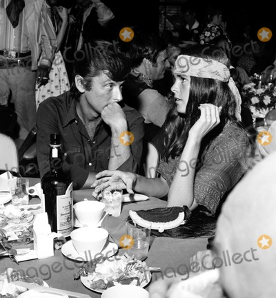 Ali Macgraw Photo - Robert Evans and Ali Macgraw A1152 Nate CutlerGlobe Photos