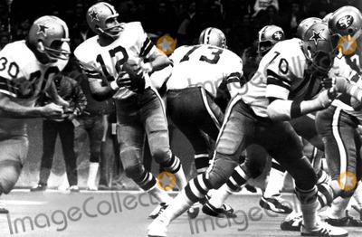 Roger Staubach Photo - Roger Staubach 12 of the Dallas Cowboys 1972 Supplied by Globe Photos Inc