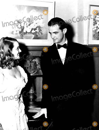Howard Hughes Photo - Bette Davis and Howard Hughes Supplied by Globe Photos Inc Howardhughesretro