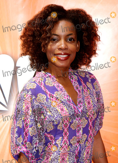 Aunjanue Ellis Photo - NBC Upfront Event Radio City Music Hall New York City 5-16-2005 Photo by John Barrett-Globe Photos Inc 2005 Aunjanue Ellis