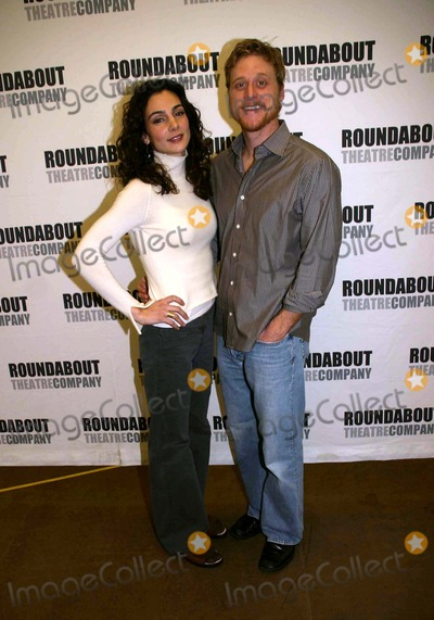 Alan Tudyk Photo - a Photo Op with the Cast of Prelude to a Kiss in Their New York Rehearsal Hall at the Roundabout Rehearsal Studio New York City 01-19-2007 Photo by Barry Talesnick-ipol-Globe Photos 2007 Annie Parisse Alan Tudyk