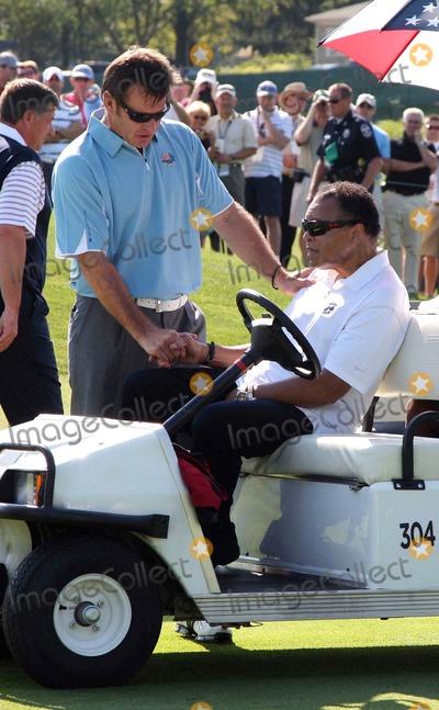 Nick Faldo Photo - Nick Faldo Meets Muhammad Ali 37th Ryder Cupvalhalla 37th Ryder Cup Valhalla Kentuckyusa Valhalla Golf Club Louisville Kentucky USA 18 September 2008 Dic11726  K59880 Photo by Richard Sellers-allstar-Globe Photos Inc 2008