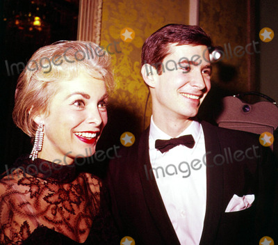 Anthony Perkins Photo - Janet Leigh and Anthony Perkins C2553 Supplied by Globe Photos Inc