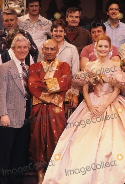 Yul Brynner Photo - Yul Brynner Constance Towers the King and I 1977 G5206 Supplied by Globe Photos Inc