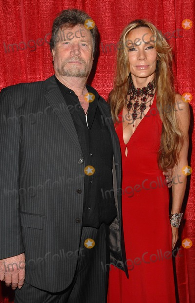 Virginia Hey Photo - Premiere of the Guest at Central Park West at the Writers Guild Theatre in Beverly Hills California January 18 2010 Photo by Scott Kirkland-Globe Photos  2010 Vernon Wells and Virginia Hey