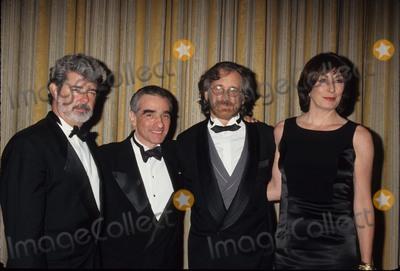 Anjelica Huston Photo - Steven Spielberg with George Lucas  Martin Scorsese and Anjelica Huston at the John Huston Award Dinner 1995 K1404lr Photo by Lisa Rose-Globe Photos Inc