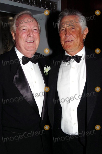 Fred Stolle Photo - International Tennis Hall of Fame Hosts Newport in New York Golden Gala in New York City 09102004 Photo by John KrondesGlobe Photos 2004 George Lazenby and Fred Stolle