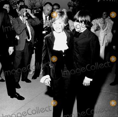 Jack Wild Photo - 41st Oscars Jackie Wilde (Oliver Twist)  Mark Lesten (Artful Dodger) Supplied by Globe Photos Inc