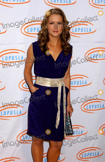 Ali Hillis Photo - Ali Hillis attends the 7th Annual Bag Ladies Luncheon Held at the Beverly Wilshire Hotel in Beverly Hills California on November 18 2009 an Theater NYC 11-18-2009 Photo by Phil Roach-ipol-Globe Photos Inc 2009