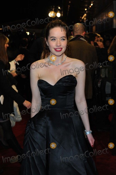 Anna Popplewell Photo - Anna Popplewell Actress at the Chronicles of Narnia - the Voyage of the Dawn Treader Film Premiere K66326alst Photo by Neil Tingle-allstar-Globe Photos Inc
