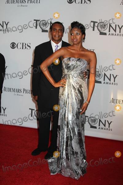 Ahmad Rashad Photo - The 66th Annual Tony Awards the Beacon Theater NYC June 10 2012 Photos by Sonia Moskowitz Globe Photos Inc Ahmad Rashad Condola Rashad