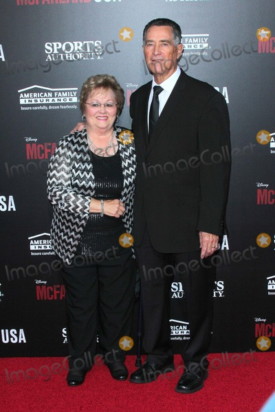Jim White Photo - Jim White attends the Premiere of Disneys Mcfarland USA Held at the El Capitan Theatre on February 9th 2015 in Los Angelescalifornia UsaphototleopoldGlobephotos