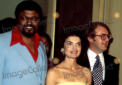 Rosey Grier Photo - Rosey Grier Jacqueline Kennedy Onassis and William Vander Herval Photo Bysteve SchatzbergGlobe Photos Inc 1977 Jacquelinekennedyonassisretro