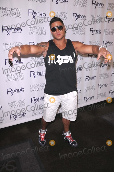 Ronnie Ortiz Magro Photo - Ronnie Ortiz-magro at Rehab at Hard Rock Hotel  Casino in Las Vegas NV 82111 Photo by Scott Kirkland-Globe Photos   2011 Ronnie Ortiz-magro