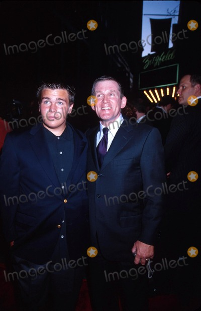 Anthony Heald Photo - 302002 New York City Premiere of Red Dragon at the Ziegfeld Theatre Photo by Ken Babolcsayipol IncGlobe Photos Inc 2002 I7015kba Anthony Heald and Son Dylan