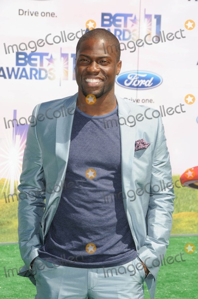 Kevin Hart Photo - Kevin Hart attending the 2011 Bet Awards Red Carpet Arrivals Held at the Shrine Auditorium in Los Angeles California on 62611 photo by D Long- Globe Photos Inc 2011