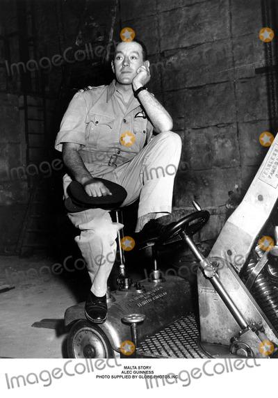 Alec Guinness Photo - Malta Story Alec Guinness Photo Supplied by Globe Photosinc