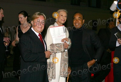 Arnold Scassi Photo - Fete DE Swifty Benefit at Swiftys Restaurant in New York City 1052004 Photo Bywilliam ReganGlobe Photos Inc 2004 Arnold Scassi Nan Kempner and Bobby Short