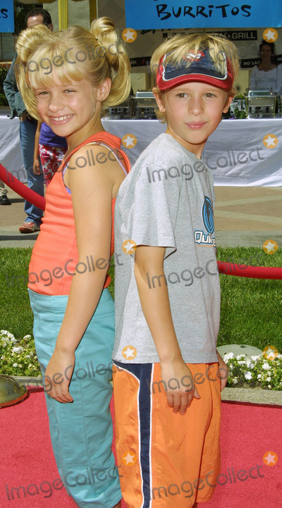 Cayden Boyd Photo - Cayden Boyd and His Sister Jenna Boyd Hey Arnold the Movie - Premiere Paramount Studios Hollywood CA June 23 2002 Photo by Nina PrommerGlobe Photos Inc2002