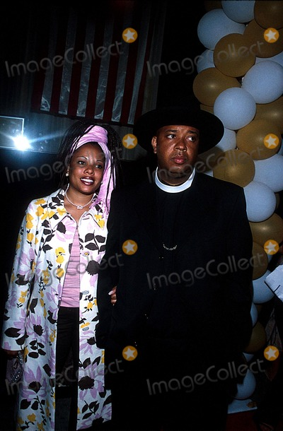 Rev Run Photo - Sean P Diddy Combs Independence Day Extravaganza Eugenes NYC 070202 Photo by Rick MacklerrangefinderGlobe Photos Inc 2002 Rev Run and Wife