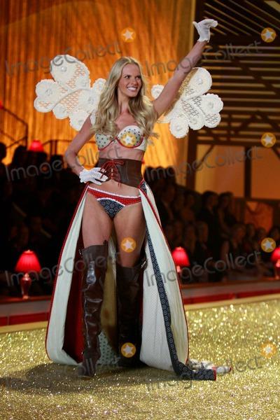 Anne Vyalitsina Photo - Victorias Secret Fashion Show - Performance the Lexington Armory New York City 11-10-2010 Photos by Sonia Moskowitz Globe Photos Inc 2010 Anne Vyalitsina