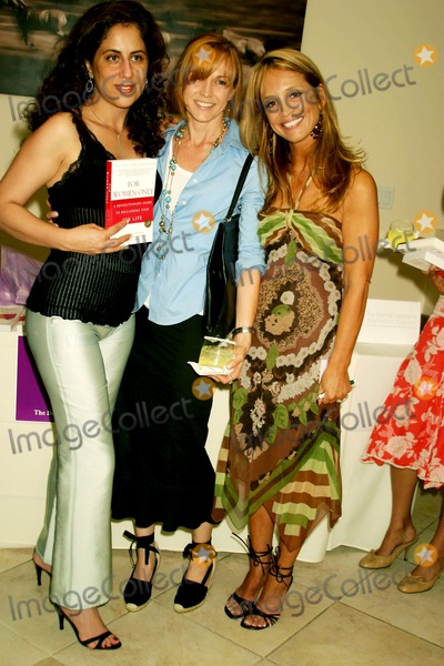 Nilou Salimpour Photo - Dr Jennifer R Berman Book Signing Sponsored by Vibrel For Women Rodeo Drive Womens Health Centre Beverly Hills CA 09-29-2005 Photo Clintonhwallace-photomundo-Globe Photos Inc Nilou Salimpour Guest and Dr Jennifer R Berman