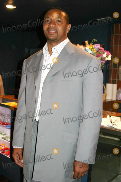 Andre Harrell Photo - Medal of Honor Rag Vip Reception For Heavy D Hosted by Jay Z  Andre Harrell Egyptian Arena Theatre Hollywood CA 06-27-2005 Photo ClintonhwallaceipolGlobe Photos Inc Mark Jackson