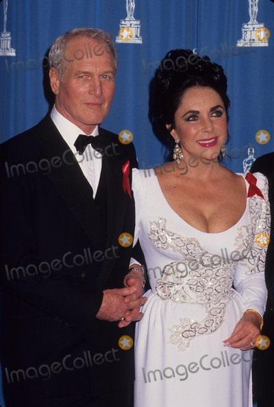 Paul Newman Photo - Elizabeth Taylor with Paul Newman at 1992 Academy Awards L3024 Photo by Michael Ferguson-Globe Photos Inc