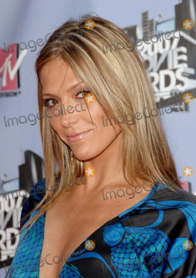 Debbie Matenopoulos Photo - 2007 Mtv Movie Awards Arrivals Held at Gibson Amphitheatreuniversal City CA 6-3-07 Photodavid Longendyke-Globe Photos Incg2007 Image Debbie Matenopoulos