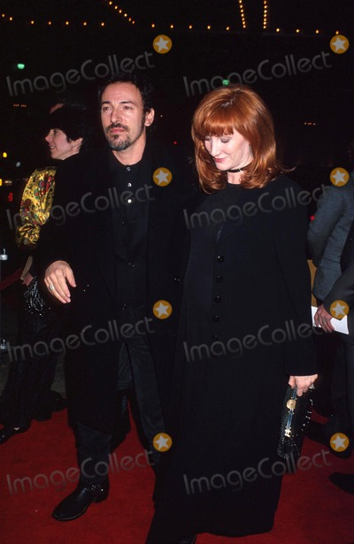 Bruce Springsteen Photo - Bruce Springsteen and Wife Patti Michael FergusonGlobe Photos Inc
