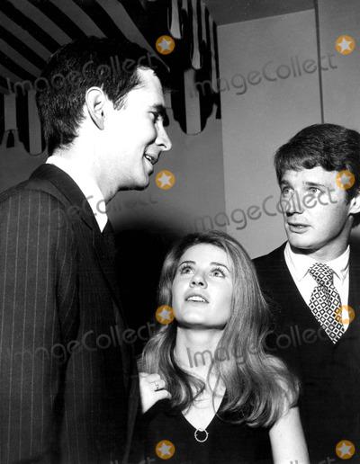 Anthony Perkins Photo - Anthony Perkins Patty Duke and Husband Harry Falk Globe Photos Inc